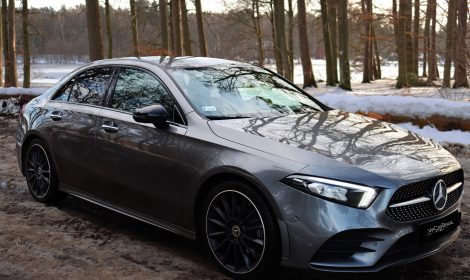 Mercedes A 200 sedan Pakiet AMG <span>Od 219 zł</span>